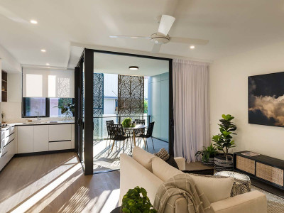 Low maintenance studio living in the heart of it all