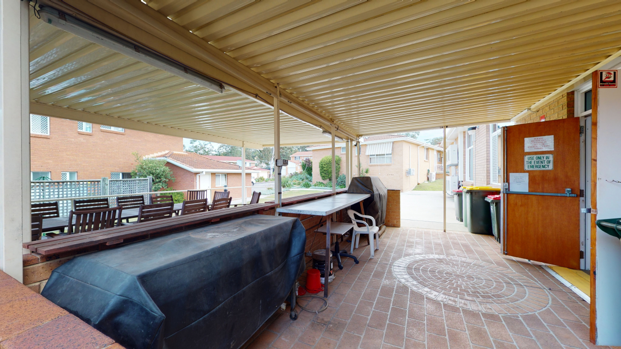 Refreshed two bedroom unit 1/1 Aaron Close