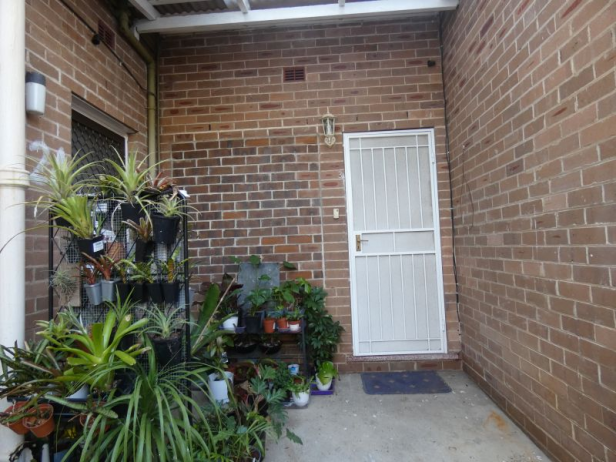 Centrally located 2 bedroom unit