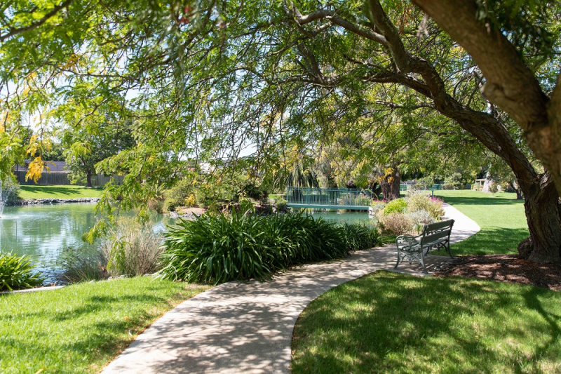 Great location close to the community centre - Stockland Templestowe Village
