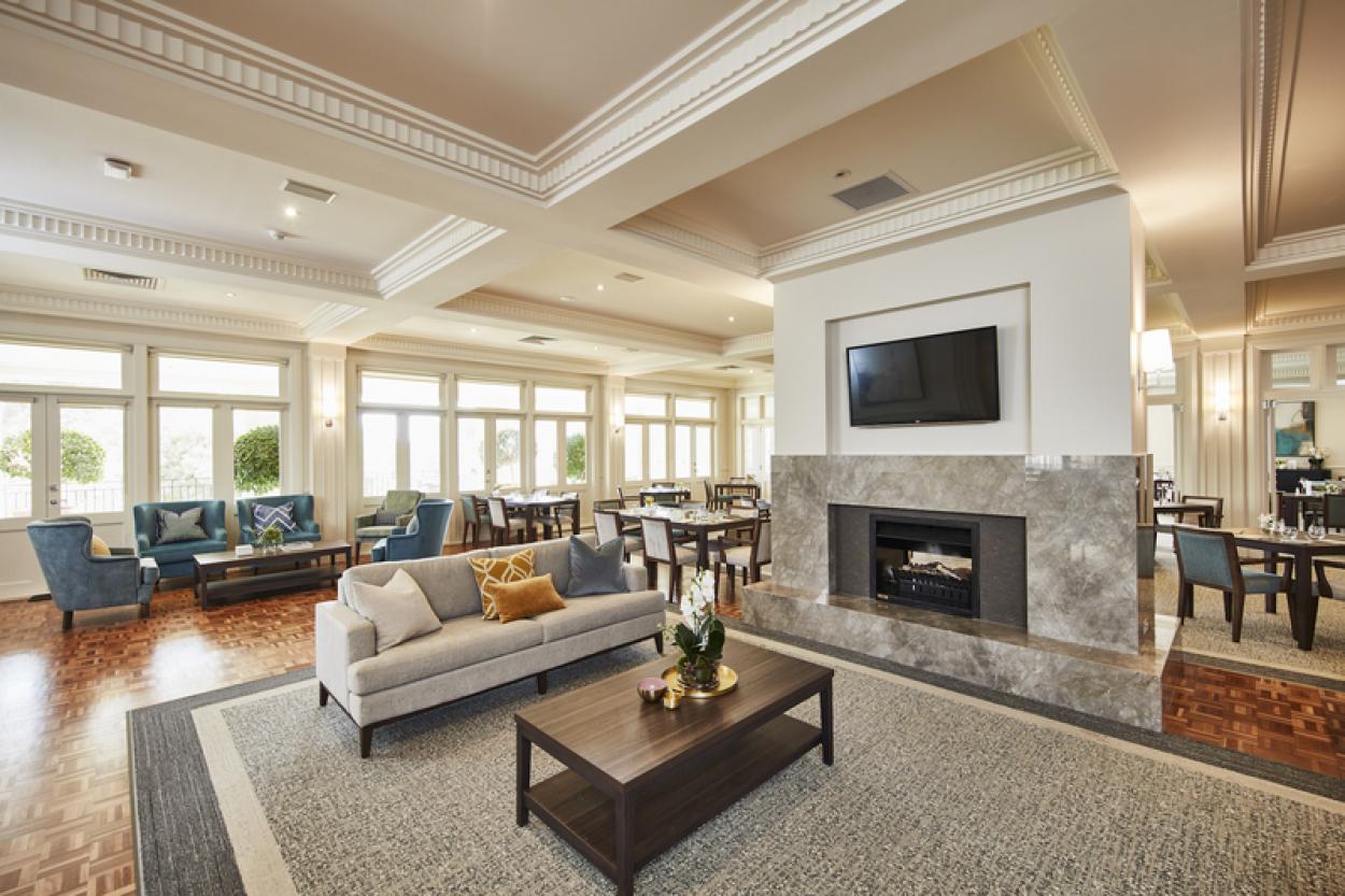 Stunning upper level home