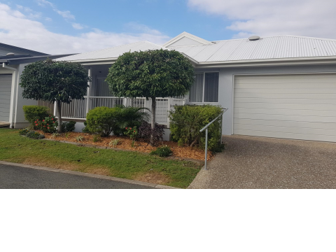 Partially renovated two bedroom plus study at Palm Lake Resort Eagleby