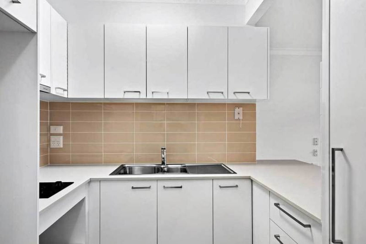 Popular Ground Floor Apartment & North Facing