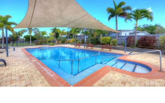 Cool and Spacious! Easy Living at Carlye Gardens