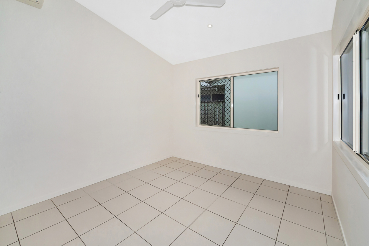 Sunny, spacious and close to everything - Breezes 14 14/1A Beaconsfield - Mackay 4740 Retirement Property for Sale