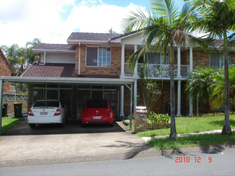 30 m2 LARGE ROOM IN ROBERTSON