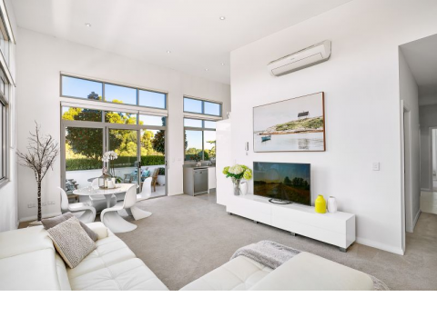 Excellent Valued penthouse with luxury living plus large private garden terrace