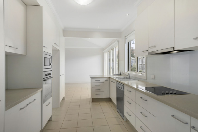 Perfectly located in a lovely garden setting, this wonderful three-bedroom villa is designed to impress.