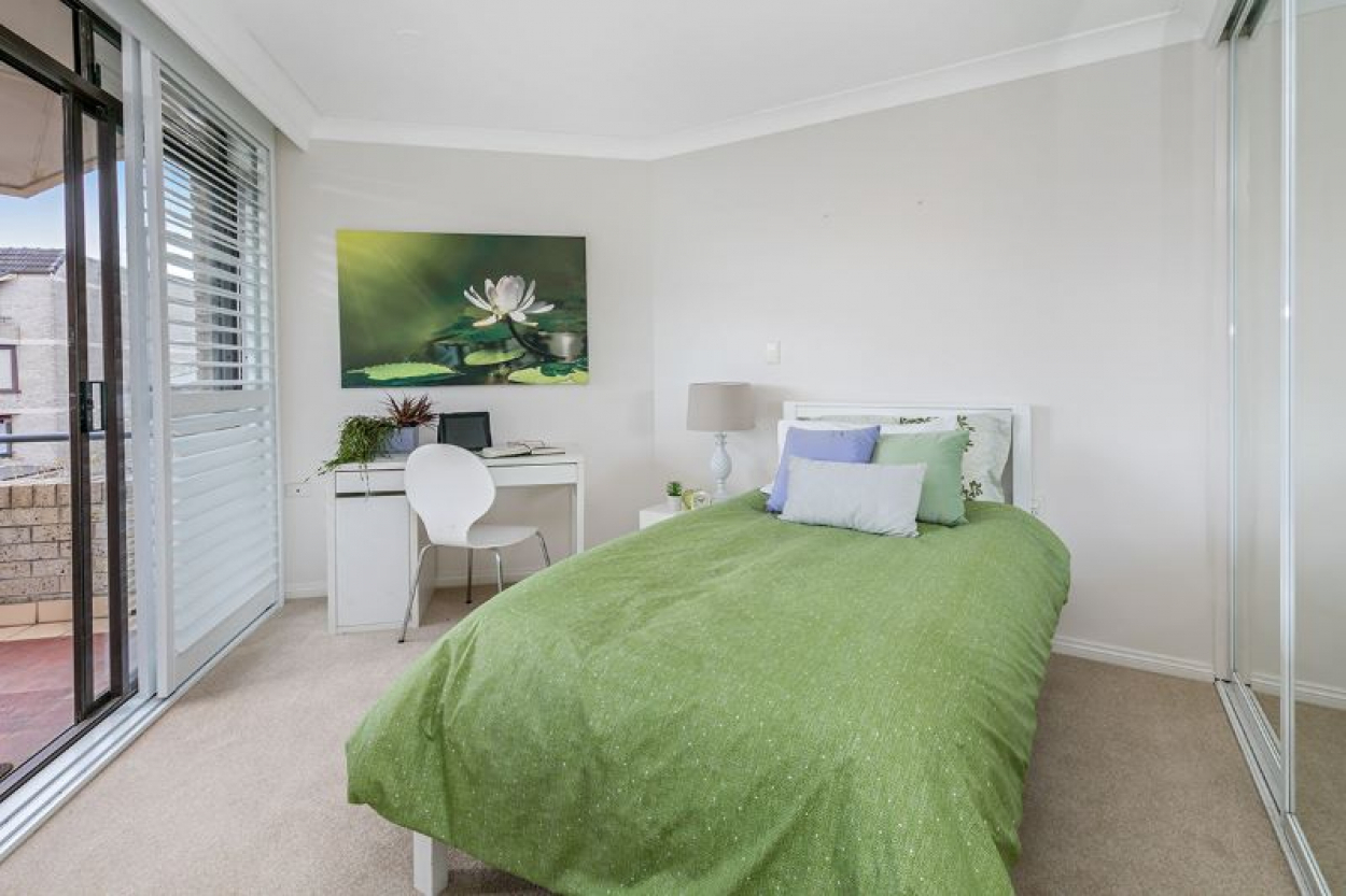 Bright, Sunny Serviced Apartment Overlooking Pool - Bougainvillea, Strata Titled