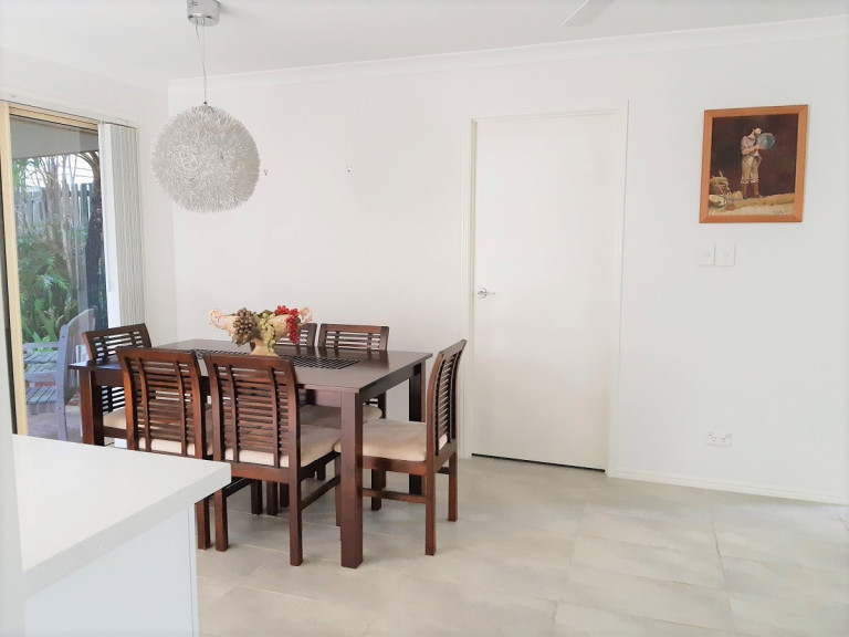 Spacious 2 bedroom 2 bathroom Villa totally renovated throughout with private courtyard