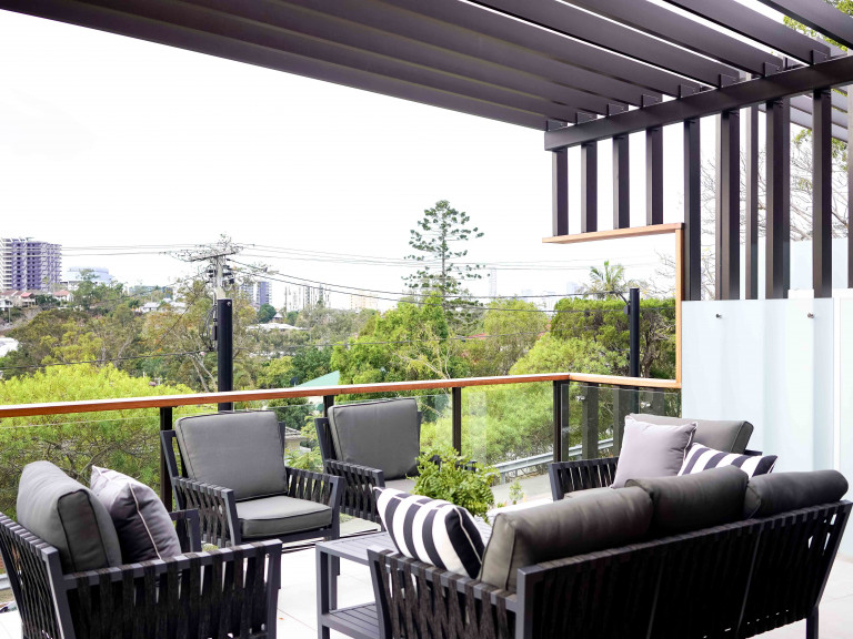 City Views in Stunning 3 Bedroom Freehold Luxury Home