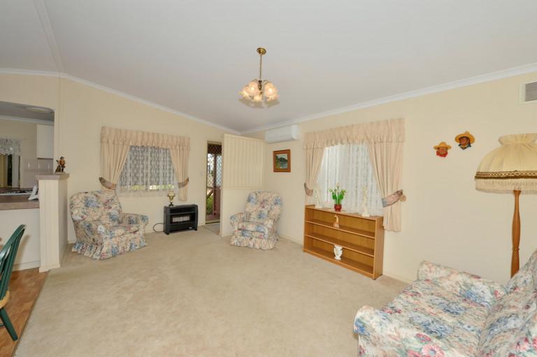 Spacious 3 Bedroom Home With Great Storage in Mandurah Gardens Estate