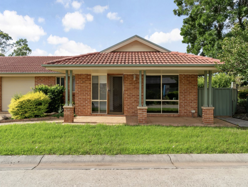 Macquarie Grove - Well presented 2 bedroom Villa now available