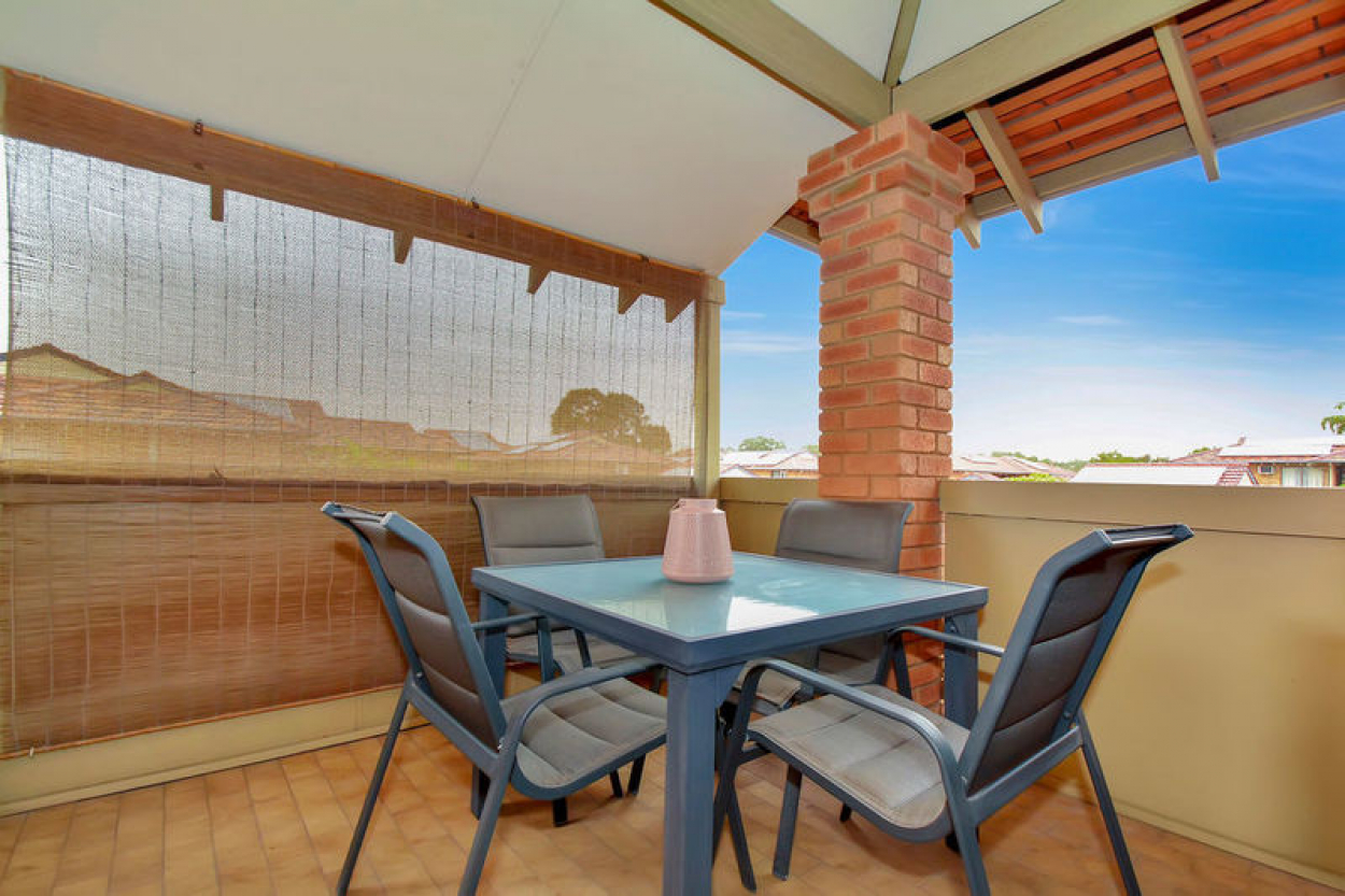 Sensational opportunity to secure this recently refreshed and well-presented upstairs villa – Don't miss out!