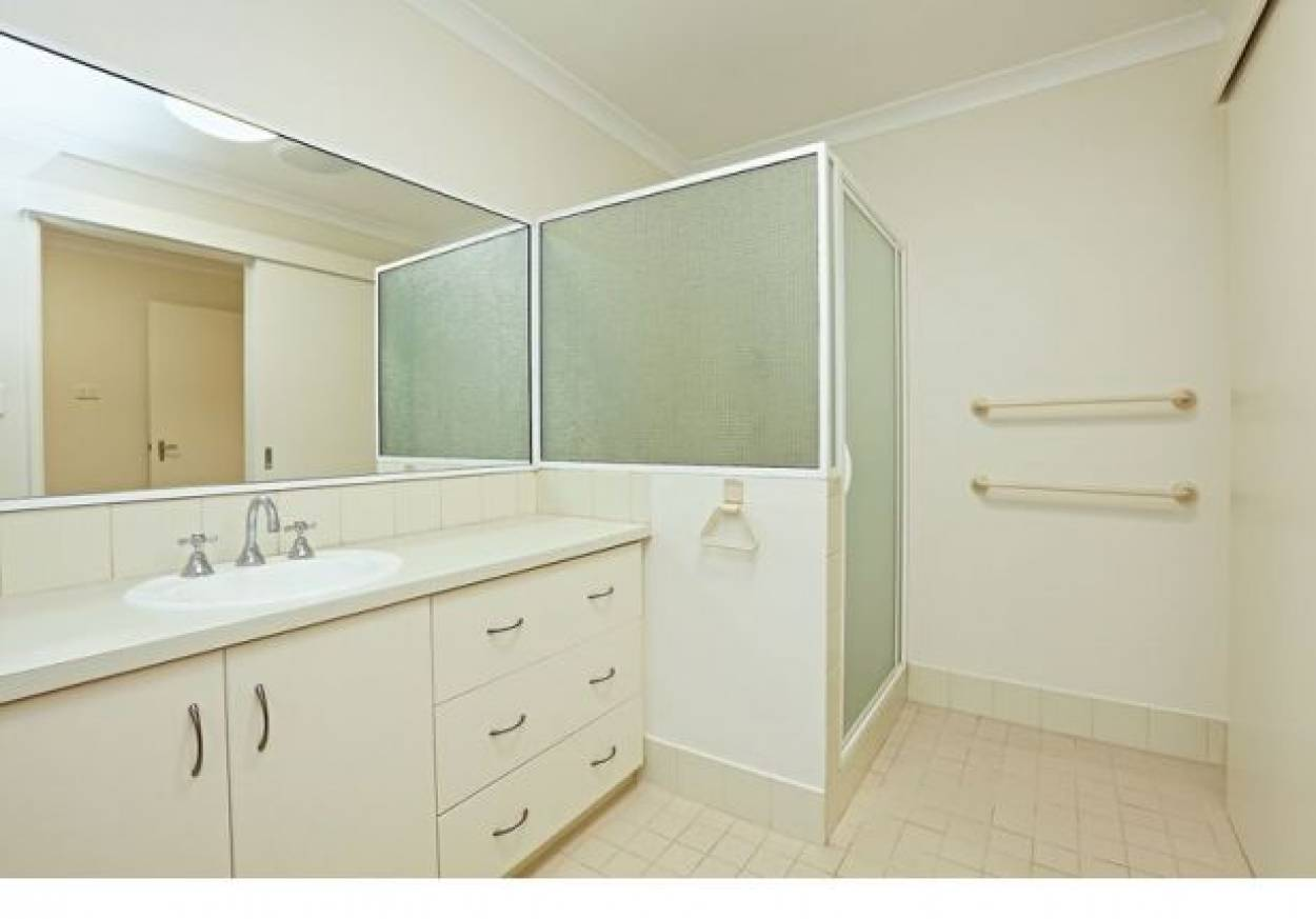 Priced To Sell - O'Coonor - Over 55  4/3  Tipuana Green - O'Connor 6163 Retirement Property for Sale