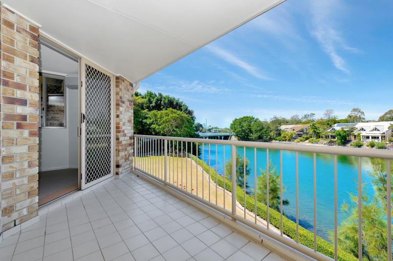 Water Front Unit 19