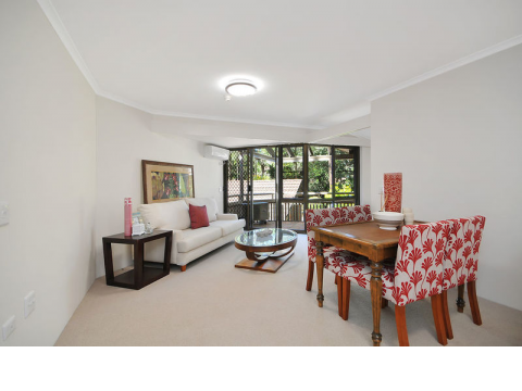 Stunning top floor serviced apartment