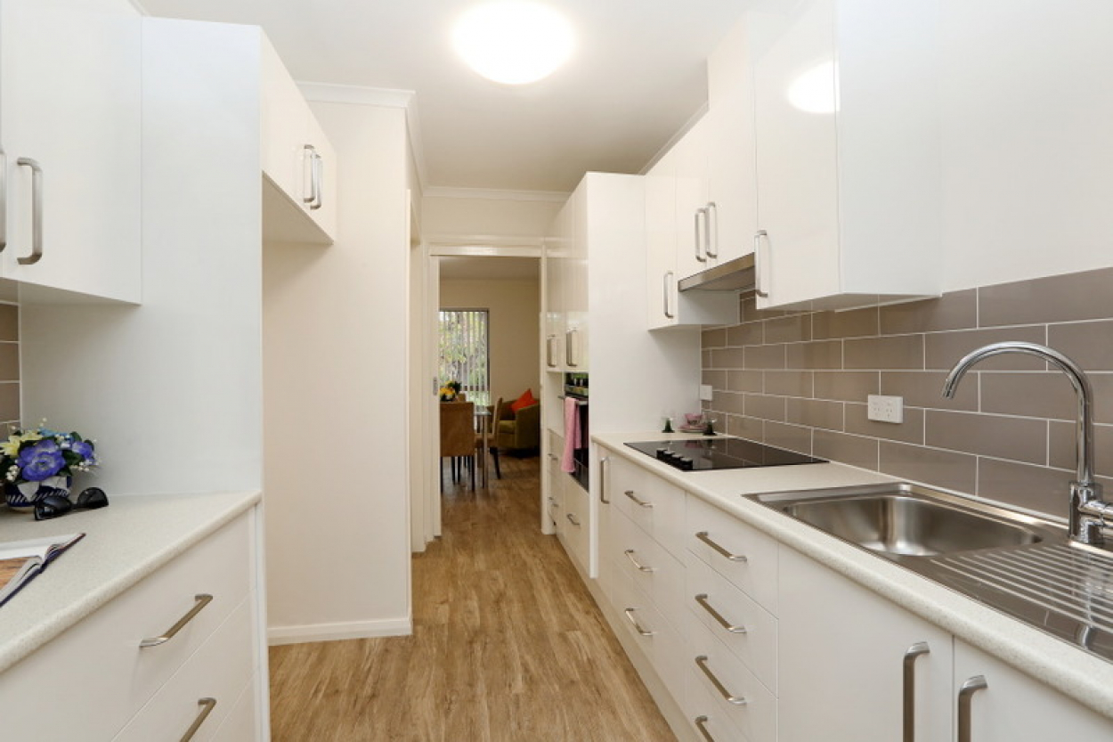 Huge double fronted one bedroom retirement unit close to community centre!