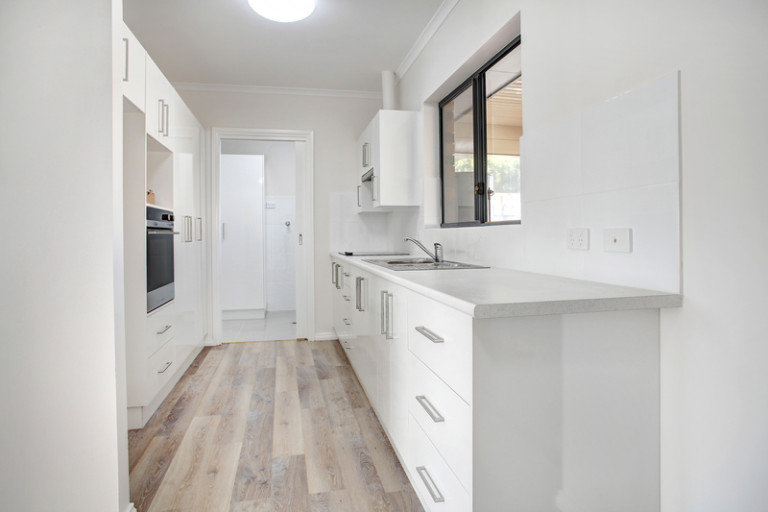 Lovely, recently refurbished unit, located in an elevated position on the Estate
