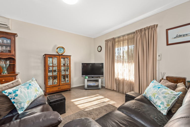 Meander Cottages - ready to move in and relax!