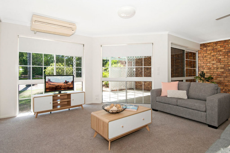 Discover strata-titled homes and a beautiful Albert River outlook