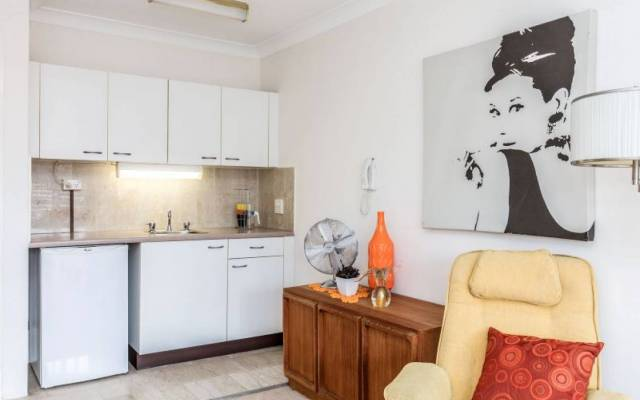 Delightful & Stylish Serviced Apartment