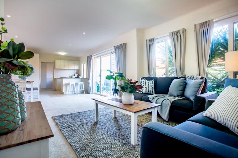 Lovely 2Bed 2Bath Villa - established community - Taylors Hill Retirement Village