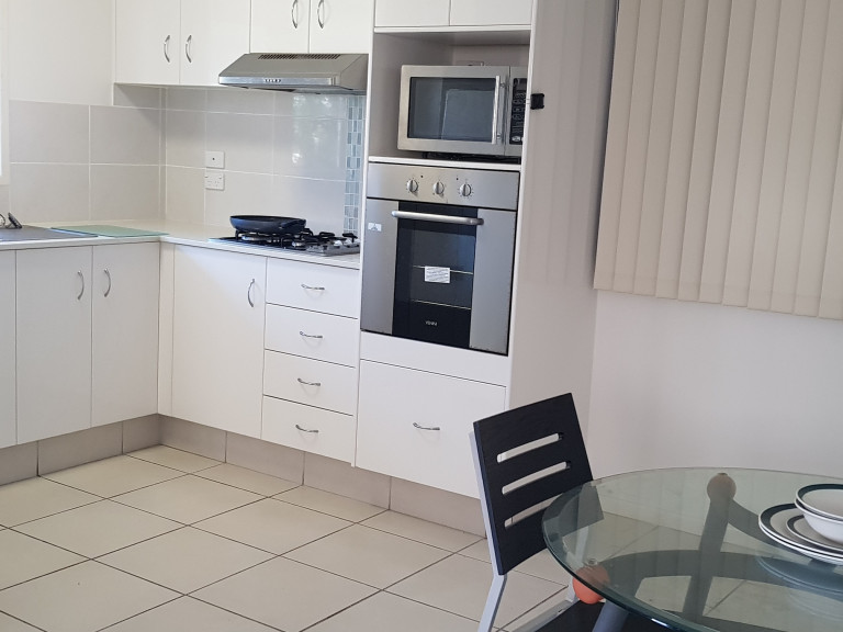 Two bedroom home centrally located with Palm Lake Resort Eagleby