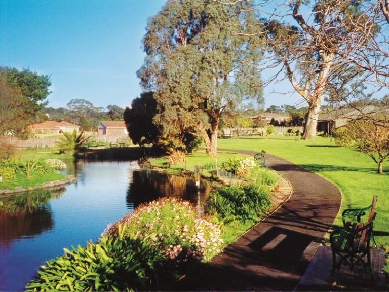 Templestowe Village