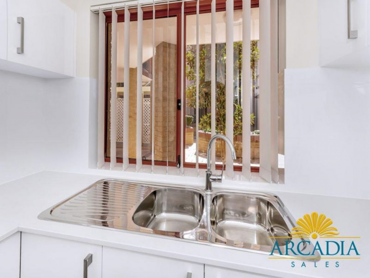 ARCADIA WATERS BICTON - Ground Floor Stunner