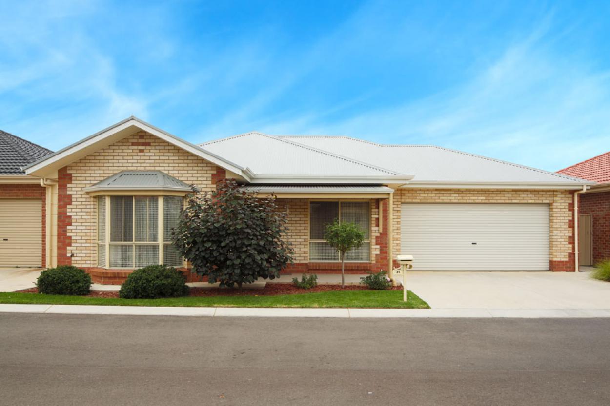 3 Bedroom Double Garage.   Grevillea,  2 Flinders Way,  - Wodonga 3690 Retirement Property for Sale