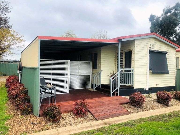 Benalla - Newly Refurbished Two Bedroom Home