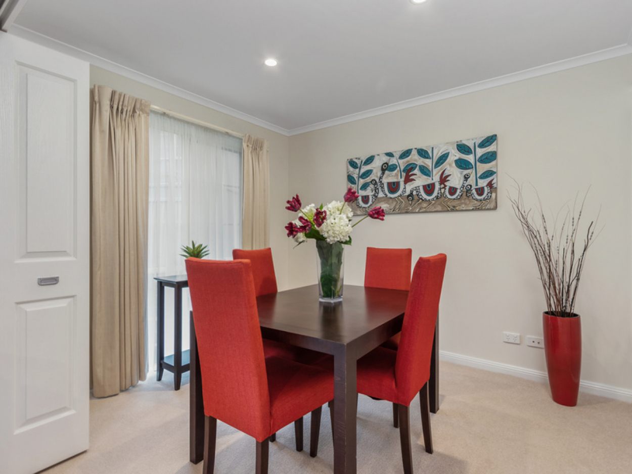 Upgraded 2 bedroom apartment with spacious open plan living