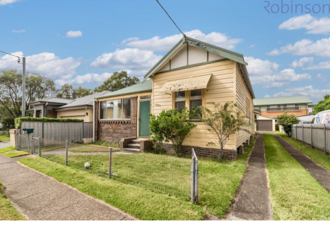 THREE BEDROOM HALF HOUSE - REGISTER TODAY FOR AN INSPECTION ALERT