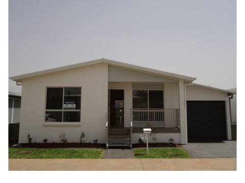 Newport Village - Residence 42 - The Sassafras II Design