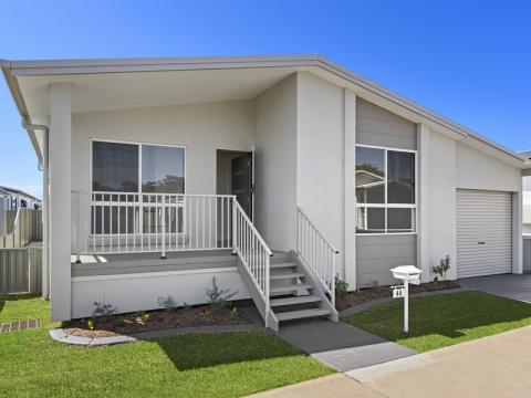 Newport Village - Residence 44 -  Jarrah II Design