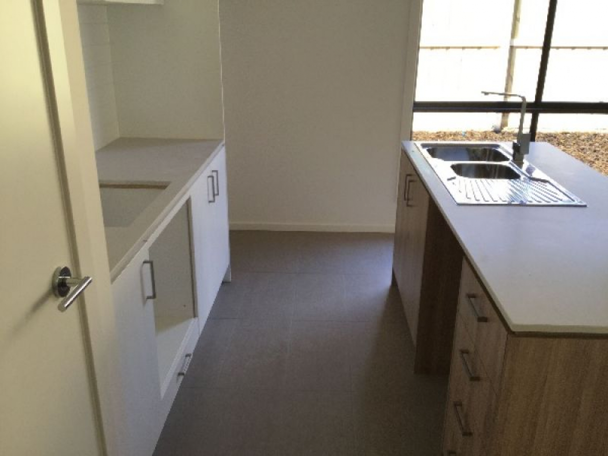 Modern Home close to Mernda Central with everything you need!