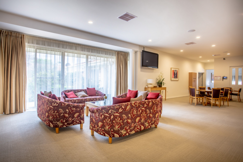 Nurse onsite, meals+cleaning, secure gated community, lovely apartment close to everything - Keilor Village