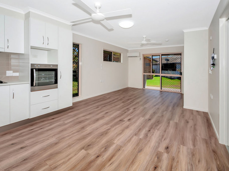 Superb studio - Rowes Bay 76 - UNDER DEPOSIT