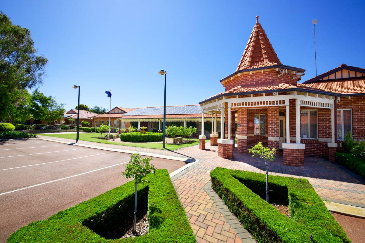 Homestay Village  267 Wharf Street - Queens Park 6107 Retirement Property for Sale
