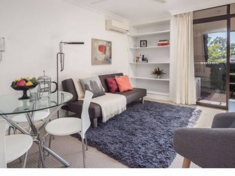 Charming and Private One Bedroom Independent Apartment
