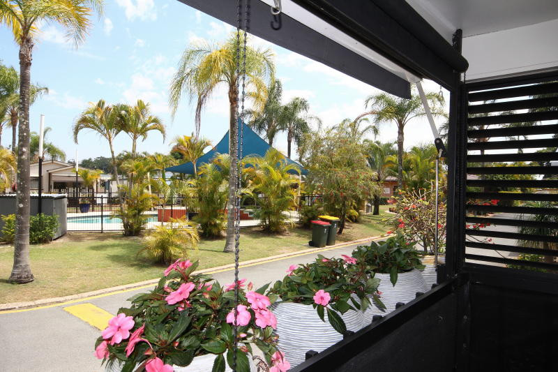 The Palms Village - Over 50's pet friendly lifestyle village