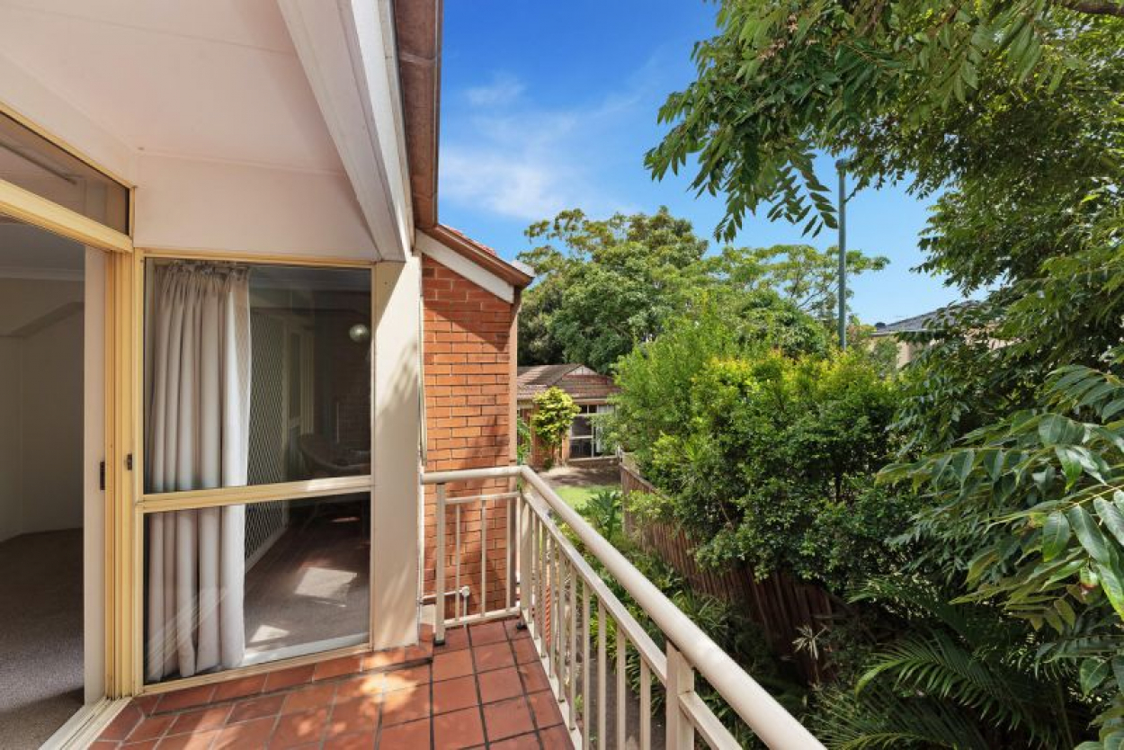 FULLY RENOVATED NORTH FACING STUNNER