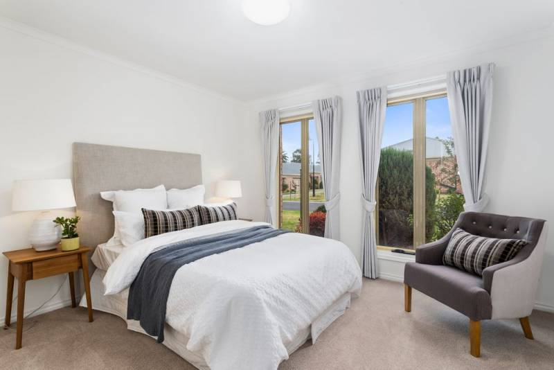 Kings Road Taylors Lakes Vic For Sale Retirement