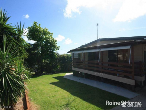 THREE BEDROOM HOME IN NEW AUCKLAND - GREAT DECK FOR ENTERTAINING!