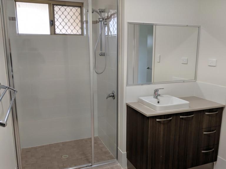 Amaroo Village - Beautifully Refurbished Villa with Brand New Kitchen