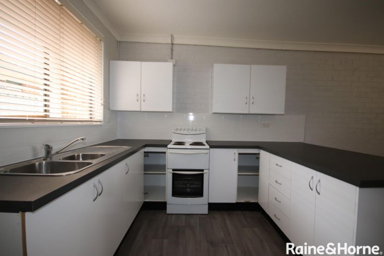 Neat and Tidy Unit In Denman
