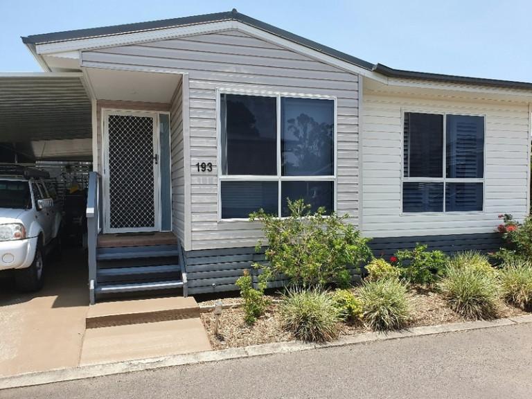 319 Bradman Avenue, Maroochydore QLD 4558