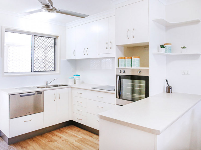 Centrally located modern unit