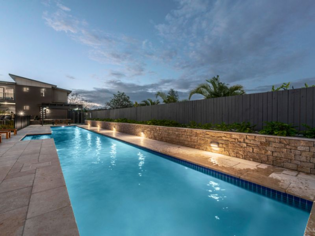 4 Bed Executive Townhouse with 20m Lap Pool STREET ACCESS